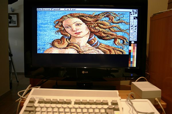 Amiga 600HD - Deluxe PAINT III